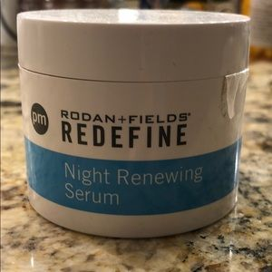 Rodan & Fields Redefine Night renewing Serum